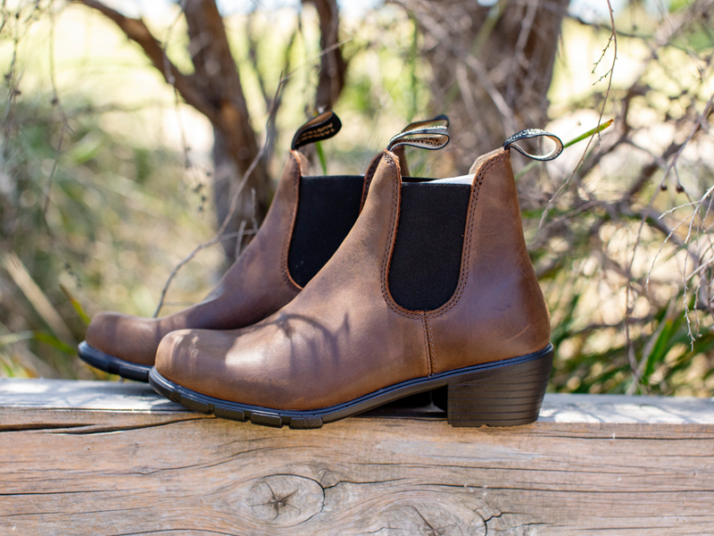 blundstone heeled boots